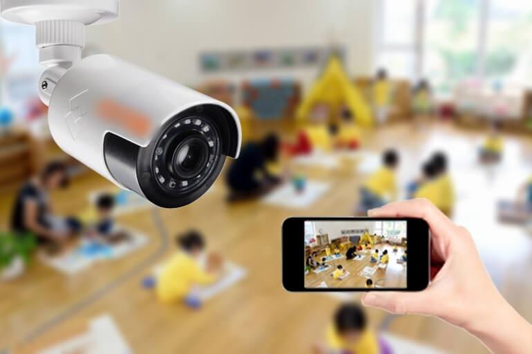 Có nên lắp camera trong lớp học